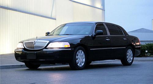black-lincoln-sedan